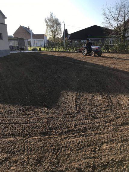 Aanleg gazon beplanting afsluiting te Opwijk